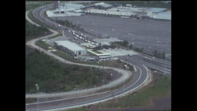 vidéos et rushes de 1969 aerials chuo expressway japan - préfecture de yamanashi
