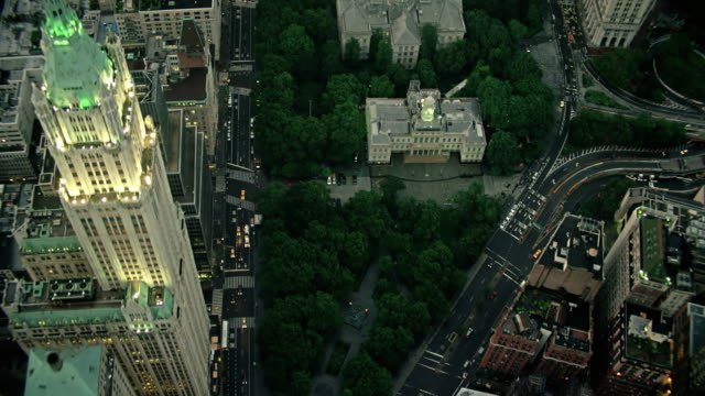 stockvideo's en b-roll-footage met aerials of new york city,  lower manhattan, city hall, tribeca, late evening - town hall