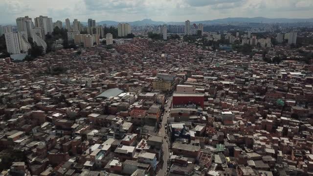 vídeos de stock e filmes b-roll de aerials of paraisópolis favela south of são paulo brazil on wednesday april 15 2020 - favela
