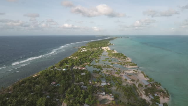 aerials of south pacific islands. - isole del pacifico video stock e b–roll