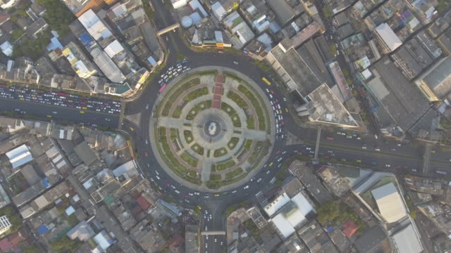 Aerial:Traffic car in circle