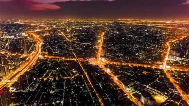 stockvideo's en b-roll-footage met antenne: verkeersstroom op schemering: timelapse - wetenschap en techniek
