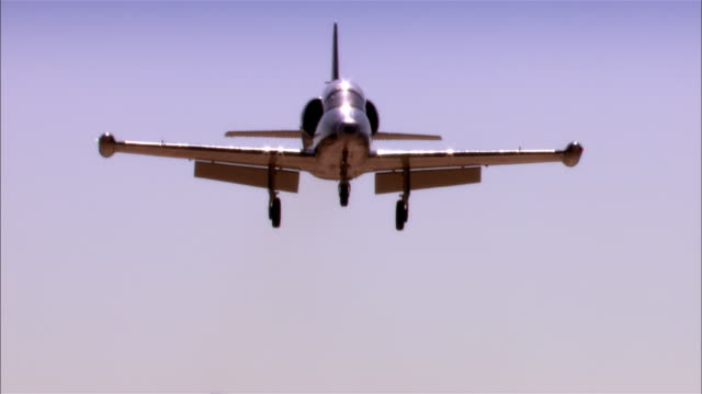 la cu aero l-39 albatross flying against clear sky / mojave desert, california, usa - us airforce stock videos & royalty-free footage