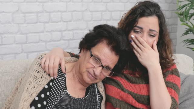 Tillgiven mormor och barnbarn