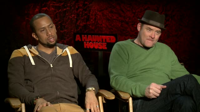 interview affion crockett and david koechner on why farts are funny at 'a haunted house' los angeles press junket interview affion crockett and david... - furzen stock-videos und b-roll-filmmaterial