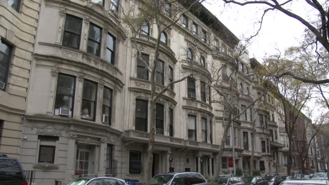 affluent town houses, luxury apartments, central park west - manhattan, nyc - upper west side manhattan stock videos and b-roll footage