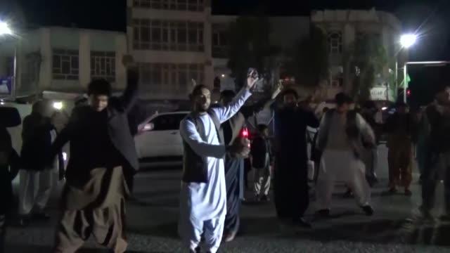 afganistan se desperto el sabado con la esperanza de que la tregua que da comienzo y debe durar una semana se aplicara en el terreno, requisito... - kandahar afghanistan stock videos & royalty-free footage