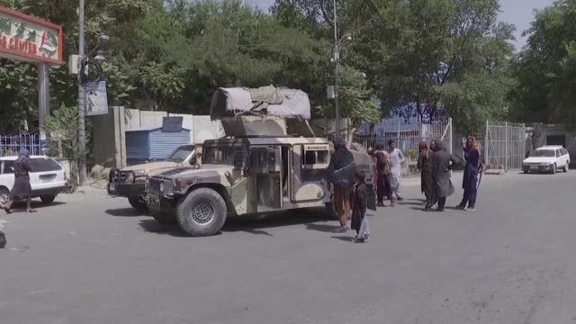 afghanistan and taliban guards posted at national museum of afghanistan to prevent looting on august 25, 2021 in kabul, afghanistan. taliban guards... - weaponry stock videos & royalty-free footage