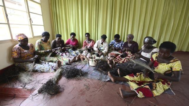 africa, rwanda, kigali, women for women project. - ルワンダ点の映像素材/bロール