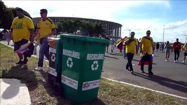 after each world cup match come the waste pickers 850 of them have been trained in brazil to work inside the 12 stadiums and recycle an average of... - sportweltmeisterschaft stock-videos und b-roll-filmmaterial