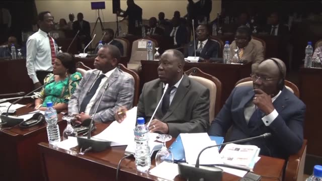 After six months of deep political crisis in Togo the much anticipated dialogue between the authorities and the opposition began on Monday in Lome in...