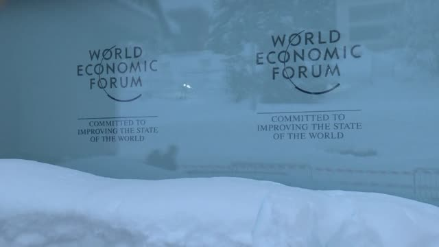 After spectacular snowfall that stranded highflying delegates on their way to Davos the World Economic Forum starts in earnest on Tuesday basking in...