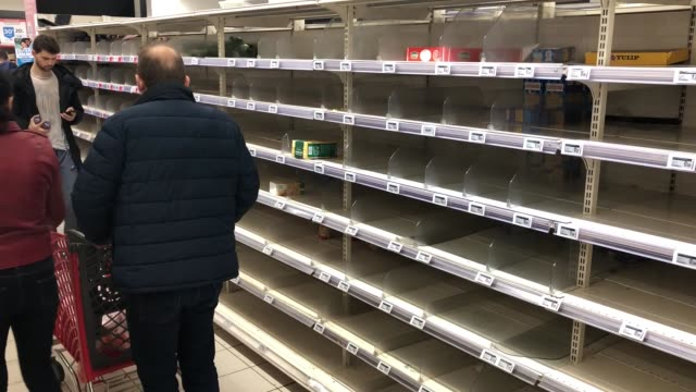 stockvideo's en b-roll-footage met after the announcement of the closure of schools due to coronavirus worried french begin to make food stocks at supermarket on march 14 2020 in... - plank meubels