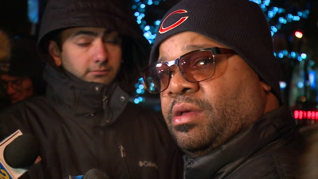 WGN After three nights at Cook County Jail RB singer R Kelly walked out February 25 after posting a $100000 bail bondjust hours after his attorney...
