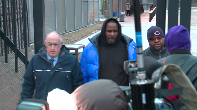 after three nights at cook county jail, r&b singer r. kelly walked out february 25 after posting a $100,000 bail bond--just hours after his attorney... - r. kelly stock videos & royalty-free footage