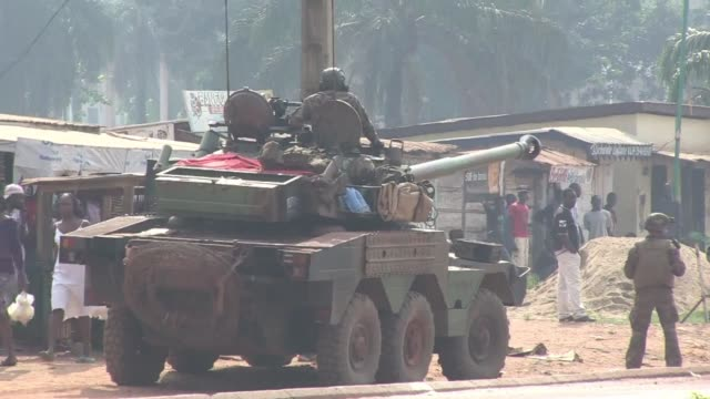 After two days of apparent calm in the capital of the Central African Republic violence eruped once again on Saturday morning as former Seleka rebels...