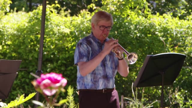 FRA: Trumpeters hold private concert in Paris nursing home