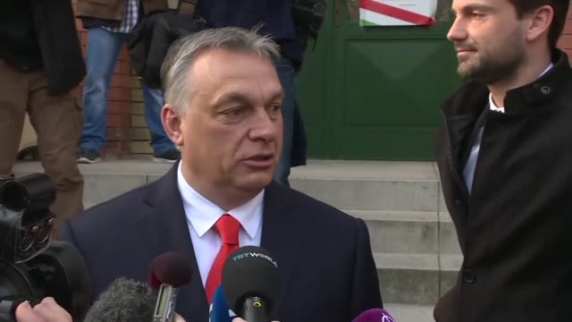 vídeos de stock e filmes b-roll de after voting in parliamentary elections hungarian prime minister viktor orban says he loves his country and is fighting for the future of it as the... - cultura húngara