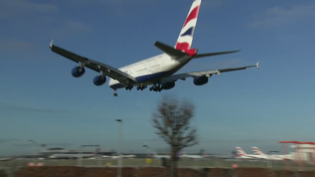 after yesterday's disruption at heathrow, sky news has today contacted every major airport in the uk. of the 21 which responded, most said they have... - flughafen heathrow stock-videos und b-roll-filmmaterial