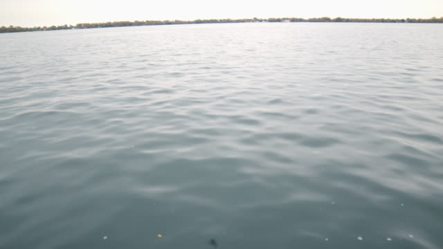 stockvideo's en b-roll-footage met het licht van de middag op meer ontario - ontariomeer