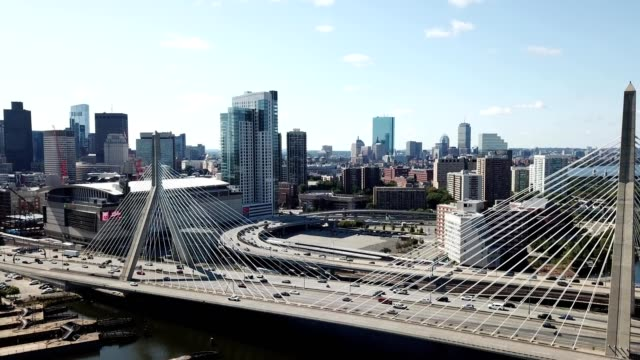 afternoon zakim bridge boston - boston massachusetts点の映像素材/bロール