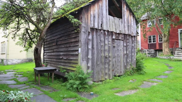 agatunet, aga farm community, the norwegian version of a european rural town, from the middle ages - timber stock-videos und b-roll-filmmaterial
