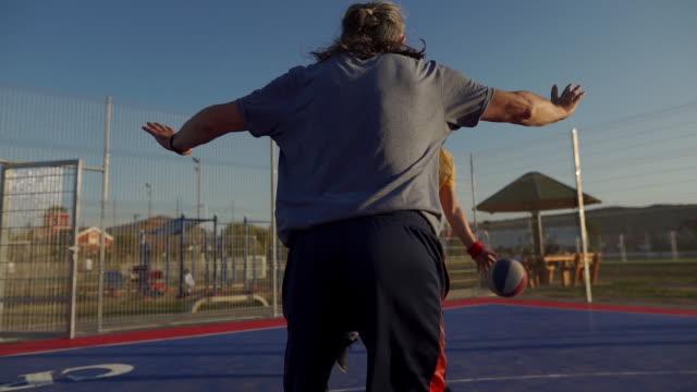 年齢は良い楽しみを止めない - 汗点の映像素材/bロール
