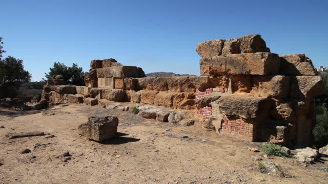 vidéos et rushes de agrigento, view of the inner walls - byzantin