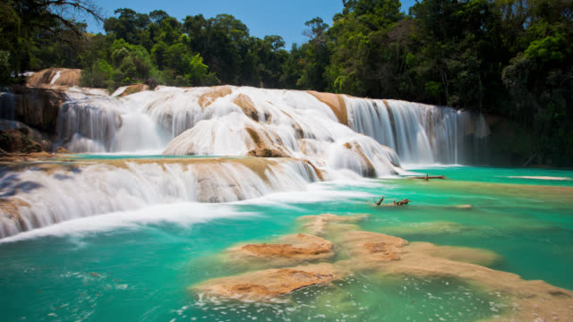 time lapse; agua azul waterfall, chiapas mexiko - azul stock videos & royalty-free footage