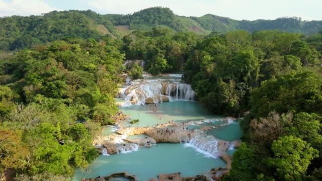 agua azul vattenfall i chiapas mexiko - azul bildbanksvideor och videomaterial från bakom kulisserna