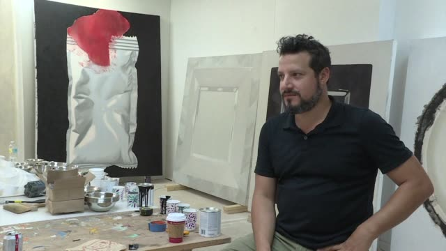 ahead of venezuela's elections afptv asks exiled venezuelans about their expectations for the vote in their home country with one miami based artist... - esilio video stock e b–roll