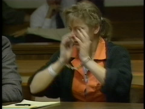 aileen wuornos cries after her girlfriend betrays her during her trial for first degree pre-meditated murder, first degree felony murder and armed... - crime or recreational drug or prison or legal trial点の映像素材/bロール