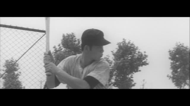 vídeos y material grabado en eventos de stock de aiming for koshien high school baseball japan/high school baseball players taking a knock bats and gloves at hosei daini senior high school nankai... - guante de béisbol
