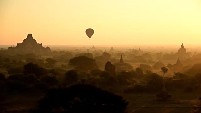 Luft Ballons Tempel von Bagan