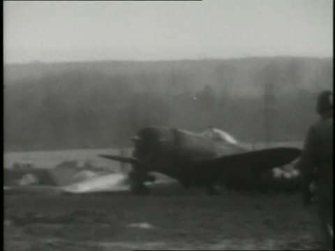 air bombers attack italy during world war ii. - military exercise stock videos & royalty-free footage