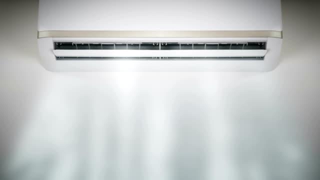 空気を吹き込むエアコン - エアコン点の映像素材/bロール