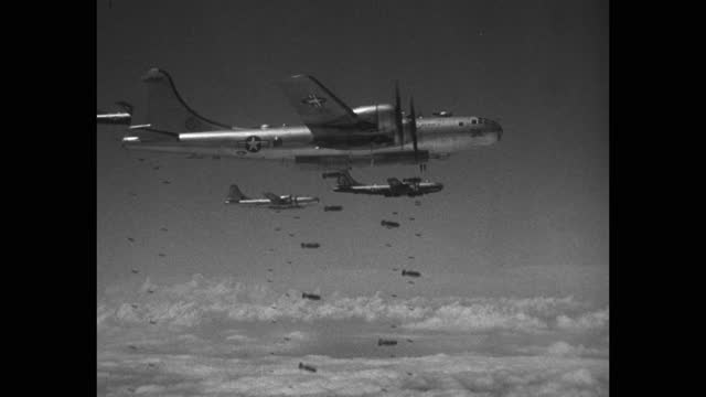 air force b-29 superfortress squadron dropping bombs, korean war - aircraft point of view stock videos & royalty-free footage