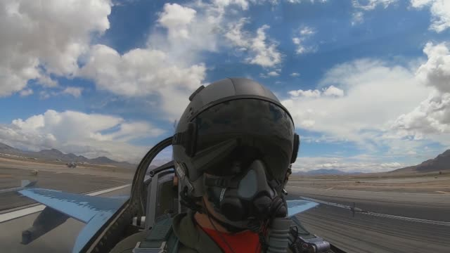 vídeos de stock, filmes e b-roll de us air force f16 aggressor with new 'ghost' paint scheme takes off from nellis air force base may 23 2019 - nellis air force base