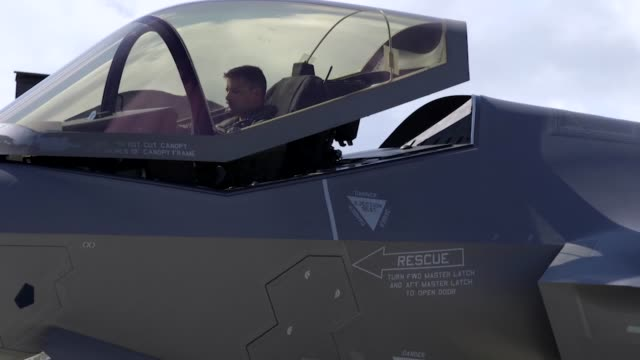 us air force f35's from hill air force base utah arrive at spangdahlem air force base germany 11 june 2019 - bremskeil stock-videos und b-roll-filmmaterial