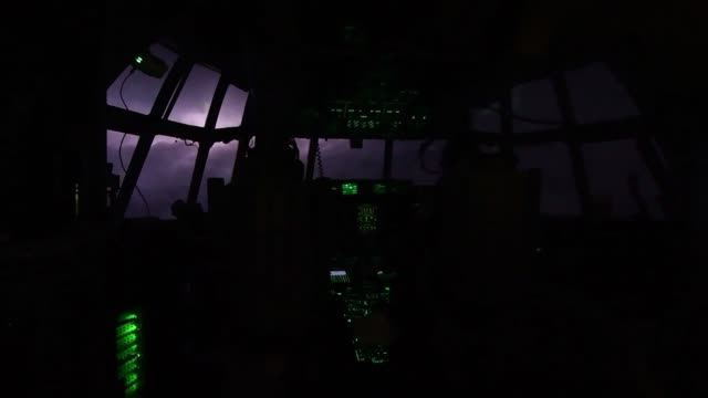 us air force hurricane hunters fly a wc130 hercules through the eye of hurricane dorian above the atlantic ocean collecting weather data to determine... - thunderstorm stock videos & royalty-free footage