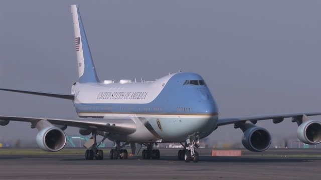 air force one arriving date may 25th 2019 location ota ward tokyo us president donald trump arrived in japan for a fourday statevisit trump landed at... - air force one stock videos & royalty-free footage