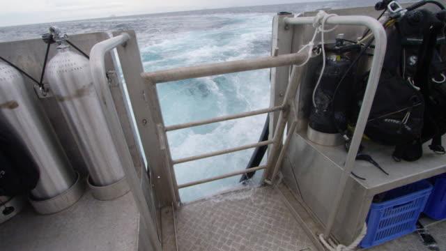 air gas tank and scuba diver equipment - bande stock-videos und b-roll-filmmaterial