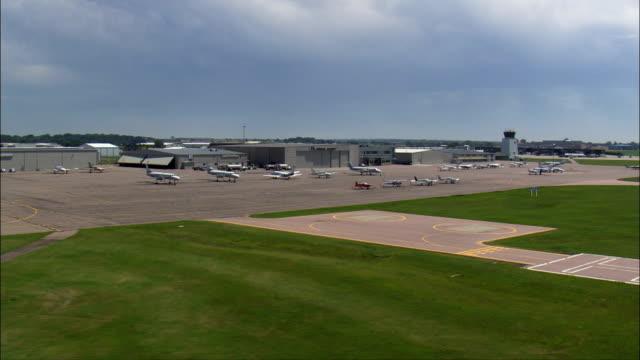 luft guard base - flygfoto - south dakota, minnehaha county, usa - bas bildbanksvideor och videomaterial från bakom kulisserna