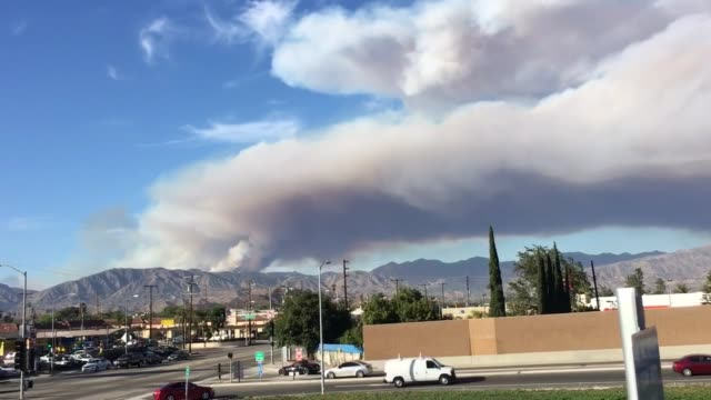 air quality drastically worsens in the san fernando valley los angeles and surrounding communities as a mountaintop fire rages in santa clarita santa... - santa clarita stock videos and b-roll footage