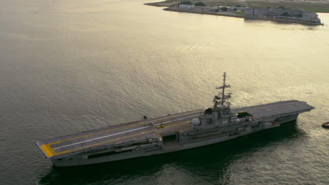 aircraft carrier - rio de janeiro, brazil. - flugzeugträger stock-videos und b-roll-filmmaterial