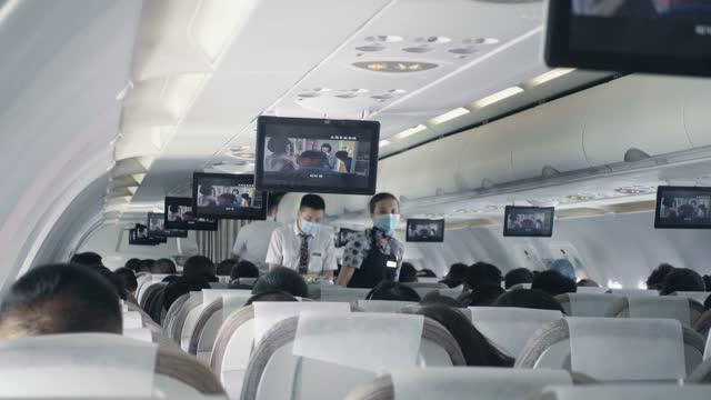 aircraft interior - passagier stock-videos und b-roll-filmmaterial