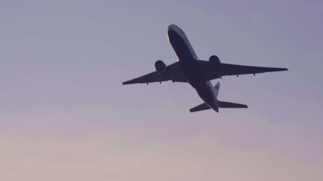 aircraft take off from heathrow airport at heathrow airport on january 15, 2021 in london, england. the uk government closes travel corridors to... - air vehicle stock videos & royalty-free footage