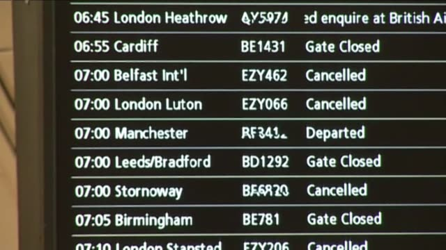Airlines have grounded hundreds of flights after a plume of ash from a volcano in Iceland blanketed Britain and touched Scandinavia in a fresh travel...