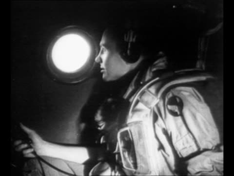 vídeos de stock e filmes b-roll de b29 airplane dave's dream flies in sky en route to dropping bomb on discarded warships at bikini atoll in operation crossroads / bombardier major... - atol de biquini
