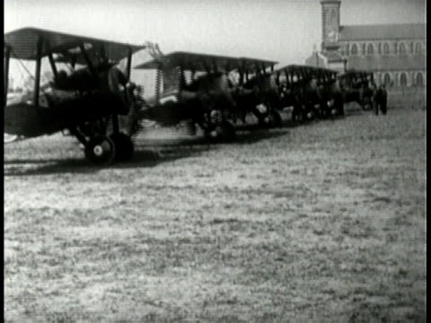 airplane engines starting up and taking off / texas, united states - 1918 stock videos & royalty-free footage